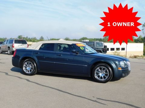Pre-Owned 2008 Chrysler 300 Signature Series